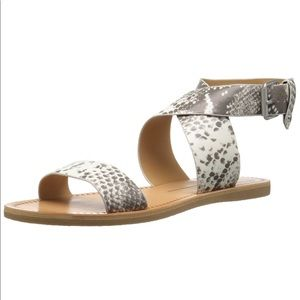 Dolce Vita Sandals size 8 - almost new!